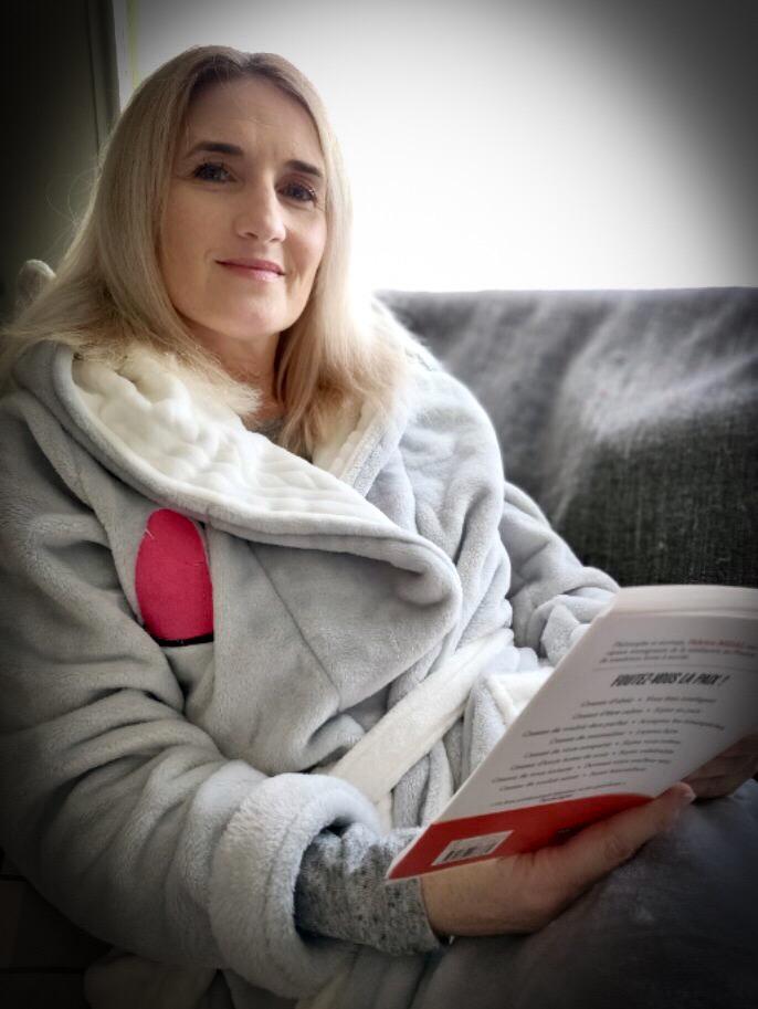 peignoir en polaire femme gris et blanc personnalisable