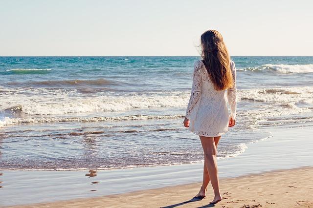 protéger ses cheveux long l'été