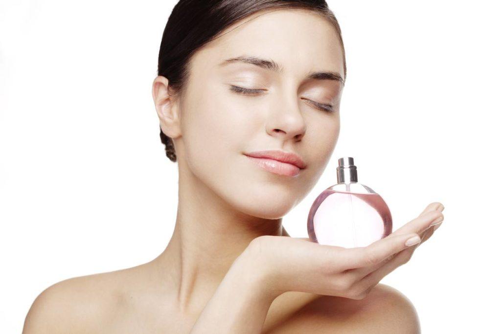 trouver-un-parfum-pour-femme-a-petit-prix